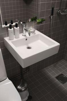 Remonttitiimimme uudisti Pihkala-blogin Maijan kylpyhuoneen. - uniquehome.fi Sink, Home Decor, Unique, Sink Tops, Vessel Sink, Decoration Home, Room Decor, Vanity Basin, Sinks