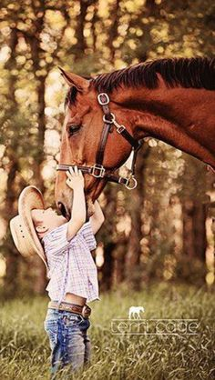 A of one of most favorite photos of all time. It just makes me happy. Kids Horse Costume, Horse Costumes, Funny Friendship Pictures, Senior Photography, Portrait Photography, Great Pictures, Cool Photos, Photo Arrangement, Best Friends Funny