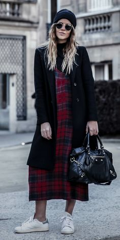 Natalia Cabezas + gorgeous winter classic +  red +  green + tartan maxi dress + sneakers + modern + traditional style + dress + winter chic  Dress: Zara, Top: NA-KD, Bag: Balenciaga, Sneakers: Adidas Stan Smith.