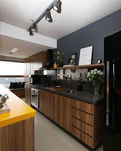 Cozinha moderna e inspiradora!  #decoração #decorando #design #designdeinteriores #decorar #decore #decorei #interiores #luxo #luxuoso #sofisticado #sofisticação #estilo #estiloso #estilosa #arquitetos #designers #casa #ambientes #projeto #ideias #casanova #nossacasa #dicas #inspiração #home #casa #espaço #cozinha #ideia