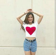 Maris Racal Filipina Actress, Filipina Beauty, Piper Perabo, Star Magic, Face Hair, Girl Dancing, Best Actress, Crop Tops, Tank Tops