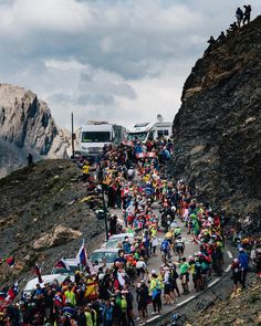 Madness on the Galibier Stage 17 TDF2017 credit @jeredgruber