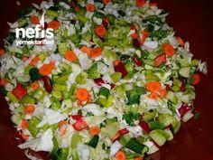 Bir İçimlik Karışık Turşu - Nefis Yemek Tarifleri Cobb Salad, Food, Essen, Meals, Yemek, Eten