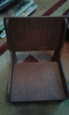 40 zł: Mebelki drewniane dla lalek duże kanapa i dwa fotele kanapa  długość -50 cm    wysokość - 20 cm fotel szerokość - 17 cm   wysokość - 20 cm