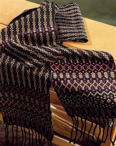 His or Hers Overshot Scarf - Weaving Today luv that this is on a 4 shaft loom and easy tie up a classic pattern