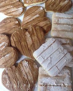 Working with wood grain and texture today. Rustic wedding cookies are underway! #timetomakethempretty #decoratedcookies #weddingfavors #cookieart #edibleart #sugarart #aislingscookies #auburnmassachusetts