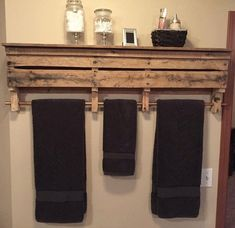 If the idea is to build some DIY Bathroom Pallet Projects, you're in the exact right place. Wood Pallet Furniture, Refurbished Furniture, Furniture Projects, Rustic Furniture, Diy Furniture, Entryway Furniture, Affordable Furniture, Furniture Storage, Industrial Furniture
