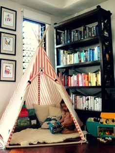 Reading nook from Happiness is Eva. #laylagrayce #children