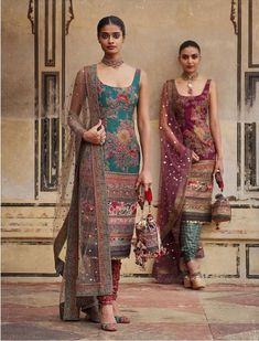 2019 Sabyasachi Charbagh Bridal Lehenga collection has a bunch of traditional red wedding lehengas, some gorgeous destination wedding outfits + lots more. Salwar Designs, Kurta Designs Women, Kurti Designs Party Wear, Blouse Designs, Indian Attire, Indian Wear, Indian Outfits, Pastel Outfit, Indian Gowns Dresses