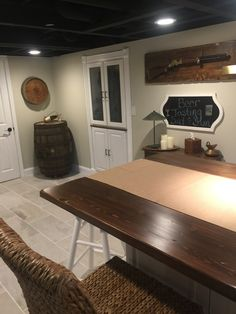 Black Ceiling, Beer Tasting, Entryway Bench, Basement, Flat, Furniture, Home Decor, Entry Bench, Hall Bench