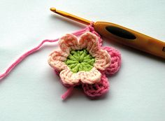 Here's a new skill to learn: crochet! Make easy crochet flower with the free crochet pattern by Carmen Heffernan...