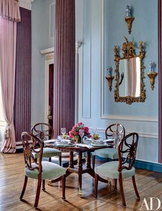 Mark Gillette Devises an Exquisite Apartment in an English Country Estate | Architectural Digest Beautiful Dining Rooms, Beautiful Homes, House Beautiful, English Interior, Walnut Dining Table, Apartment Renovation, Country Estate, Home Decor Inspiration, Colorful Interiors