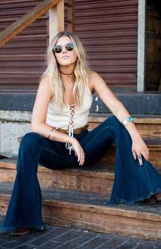 Bell bottom babe in Show Me Your Mumu Bell Bottom Pants, Bell Bottoms, Best Jeans, Wide Leg Jeans, Street Chic, Festival Fashion, Autumn Winter Fashion, Spring Outfits, Boho Fashion