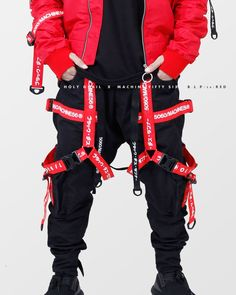 Selfless wrote men's fashion edgy click over here Cyberpunk Clothes, Cyberpunk Fashion, Komplette Outfits, Cool Outfits, Tactical Wear, Mode Shoes, Fashion 2017, Fashion Trends, Future Fashion