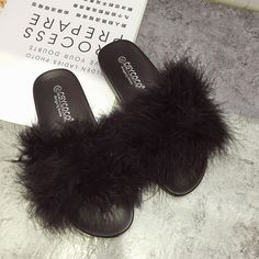 2017 Women Fashion Fuzzy Fur Slides Slipper Ostrich Fur Slippers Furry Flat  Heel Flip Flops Slipony c4c447ad91fa