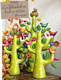 arbol de la vida peruano Paper Mache Crafts, Clay Crafts, Ceramic Sculpture Figurative, Tree Of Life Art, Christmas Crafts For Adults, Clay Art Projects, World Crafts, Mexican Folk Art, Diy Arts And Crafts