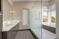 Wet room shower/bath enclosure