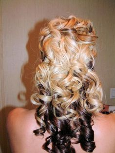 Wedding-Hairstyles-for-Curly-Hair