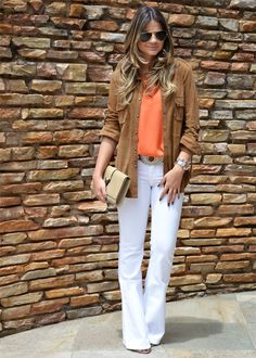 Cute white jeans outfit, and i've been loving orange lately!