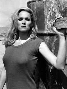 Ursula Andress, James Bond, Hollywood Actresses, Actors & Actresses, Best Bond Girls, Aubrey Hepburn, Blond, Vintage Movie Stars, Woman Movie