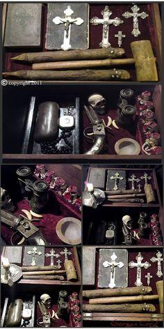 Vampire Hunting Kit - I need one! Werewolf Hunter, Vampire Hunter, Ouija, Vampires, Zombies, Steampunk, Demonology, Classic Monsters, Dracula