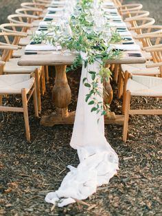 La Tavola Fine Linen Rental: Aurora White Table Runner with Tuscany Natural Napkins   Photography: Matt Rice, Event Planning & Design: Beijos Events, Florals: Hawthorne Floral Studio, Lighting: Lux Rentals, Calligraphy: A Fabulous Fete, Rentals: Theoni Collection and Found Vintage Rentals