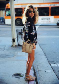 🌹LoverMalls Black Flower Pattern V Neck Long Sleeve Casual Chiffon Blouse Look Fashion, Fashion Models, Womens Fashion, Fashion Wear, Fashion Styles, Teen Fashion, T Shirts, Long Sleeve Shirts, Look Street Style
