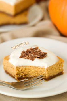 Lighter Pumpkin Cheesecake Bars – the perfect way to end a meal! | texanerin.com | pumpkin recipes