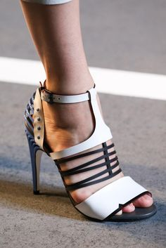 Fendi Spring 2015 Ready-to-Wear - Details - Gallery - Look 5 - Style.com