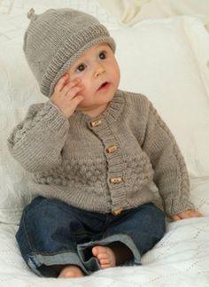 Familie Journal - strikkeopskrifter til hende Baby Boy Knitting Patterns, Baby Sweater Patterns, Baby Sweater Knitting Pattern, Baby Hats Knitting, Knitting For Kids, Baby Patterns, Baby Boy Cardigan, Knitted Baby Cardigan, Knit Baby Sweaters