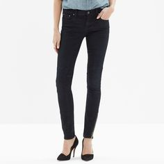 """NWT Madewell skinny skinny zip jeans in Rebel wash Size 27 skinny skinny zip jeans in Rebel wash, motorcycle patch detailing on knees and inner thighs. Zippers at ankles as the name suggests. Accidentally ordered two pairs of the same thing. • Fitted through hip and thigh, with a slim leg. • Front rise: 8"""". • Inseam: 28"""". • 93% cotton/6% poly/1% spandex. Madewell Pants"""