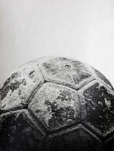 You see a worn handball. I chose this picture because i play handball since I was 4 years old.