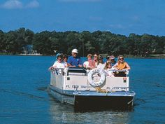 Scenic boat tours in Winter Park. Three must do's in Winter Park; Saturday Farmers Market, Morse Museum and the Scenic Boat Tours. If you happen to be around for the WP art Festival, that is worthwile as well. Winter Park Florida, Florida Holiday, Orlando City, Downtown Orlando, Orlando Disney, Orlando Florida, Florida Vacation, Florida Travel, Lake Eola