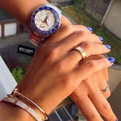 Rolex Yachtmaster 2 stainless steel and pink gold. Looks awesome on a woman!