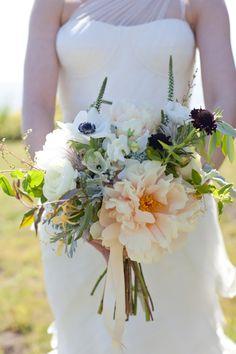27 Breathtaking Wedding Bouquets With Single Flower Focal Point - Mon Cheri Bridals