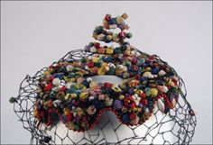 Bes-Ben 'Confetti' spiral hat | United States, 1960 | Polychrome straw and raffia flowers with polychrome beads
