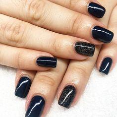 Manicura semipermanente. #manicura #manicuraorly #orlyfx #orly #manicuravegana #nails #shine #shinenails #nailsalonbarcelona #lifestyle #manicure #manicurasemipermanente #barcelona #beauty #vegano #manicuravegana #revivenailbeauty #manicurabarcelona #barcelonanails #topbookedsalon Salons, Barcelona, Lifestyle, Nails, Beauty, Vegans, Finger Nails, Lounges, Ongles