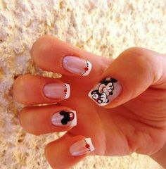 these could possibly be the cutest nails I've ever seen