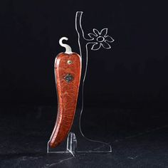 Bixia - couteau piment de collection en corail rouge et croix basque en or noir sertie de diamants noir. Les Couteliers Basques, artisans d'art à Bidart, créateurs de couteaux basques, vous invitent à découvrir leurs gammes de couteaux traditionnels et originaux à travers leurs marques déposées Mizpira, Artzaina et Bixia. Ici Bixia, couteau de poche basque en forme de piment d'Espelette, fabrication française au Pays Basque (64). http://www.lescouteliersbasques.fr/ #lescouteliersbasques…