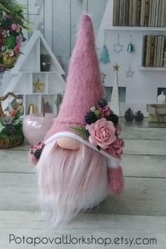 Girl Gnome, Gnome Hat, Easter Crafts, Fun Crafts, Diy And Crafts, Gnome Tutorial, Scandinavian Gnomes, Doll Home, Craft Free
