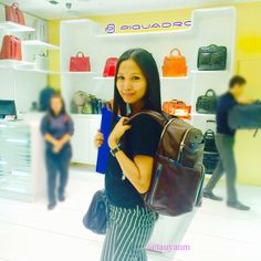 piquardo bag selfie  Follow me: http://www.tauyanm.com ~ http://twitter.com/tauyanm ~ http://instagram.com/tauyanm ~ https://www.youtube.com/user/tauyanm1 ~ Snapchat: @tauyanm  Use my Code: ZBAPZW2Y to get 15% off when you shop to www.zalora.com.my