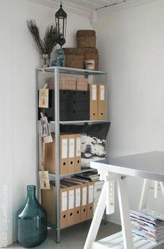 4 maneras de decorar una estanteria