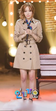 SNSD Taeyeon's Way of Matching a Trench Coat