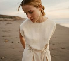Inspired by their background in the fashion industry, their Santa Barbara upbringing and their love ofCalifornia's vintage vibe,sisters Margaret and Katherine Kleveland launched Dôen in 2015. But Dôen wasn't destined to be just any clothing label. The design duo set out to create an all female