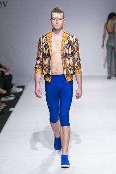 Vahan Khachatryan Ready To Wear Fall Winter 2015 Kiev - NOWFASHION