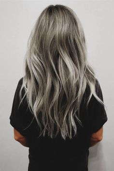 gorgeous grey hair inspiration. women's hairstyle.
