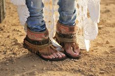 ☆These are so tight!!..I bet I can make this with old good leather.. wtf ? I already own a similar pair...lol Derrr!!!