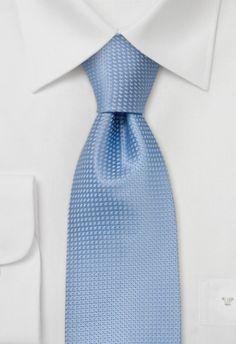 Moderne zijden stropdas in zomers lichtblauw met grijs. 100% pure zijde.