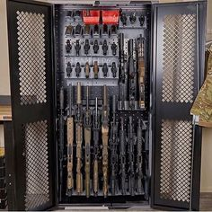 Gallow Tech Weapon Cabinet @leaspeed6 . . . #gallowtech #gunsafe #weaponcabinet #gunlocker #pewpew #pewpewlife #pewpew #igmilitia #gunporn #gunphoto #bestgunsdaily #gunspictures #gunsdaily #gunporn #weaponsdaily #instaguns #molonlabe #dtom #2a #nra #guntography