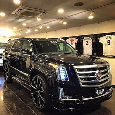 "70k Likes, 1,645 Comments - Kik:SoLeimanRT (@carinstagram) on Instagram: ""2015 Cadillac Escalade on @lexaniofficial 26"" CSS-15 #wow"""